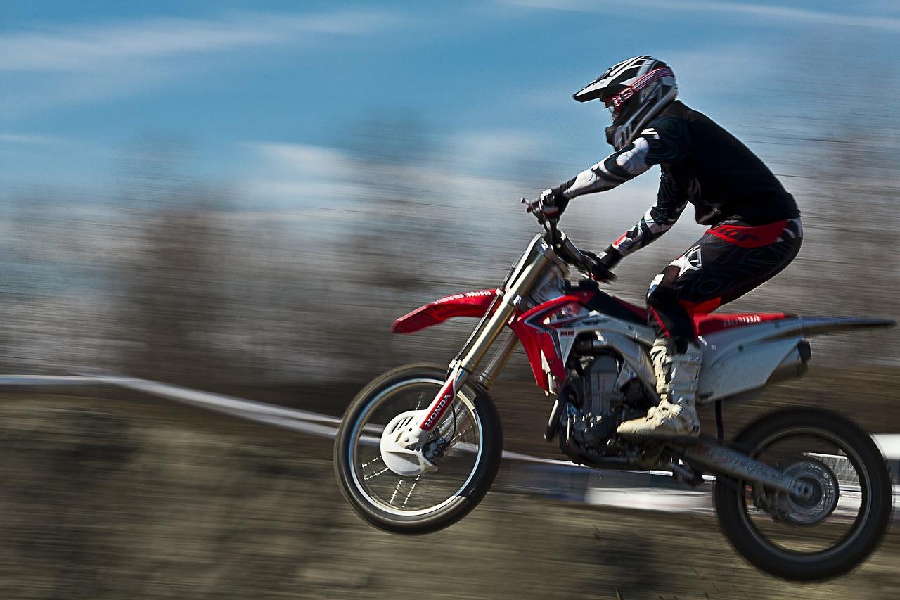 Rękawice na motocykl - podstawowe rodzaje
