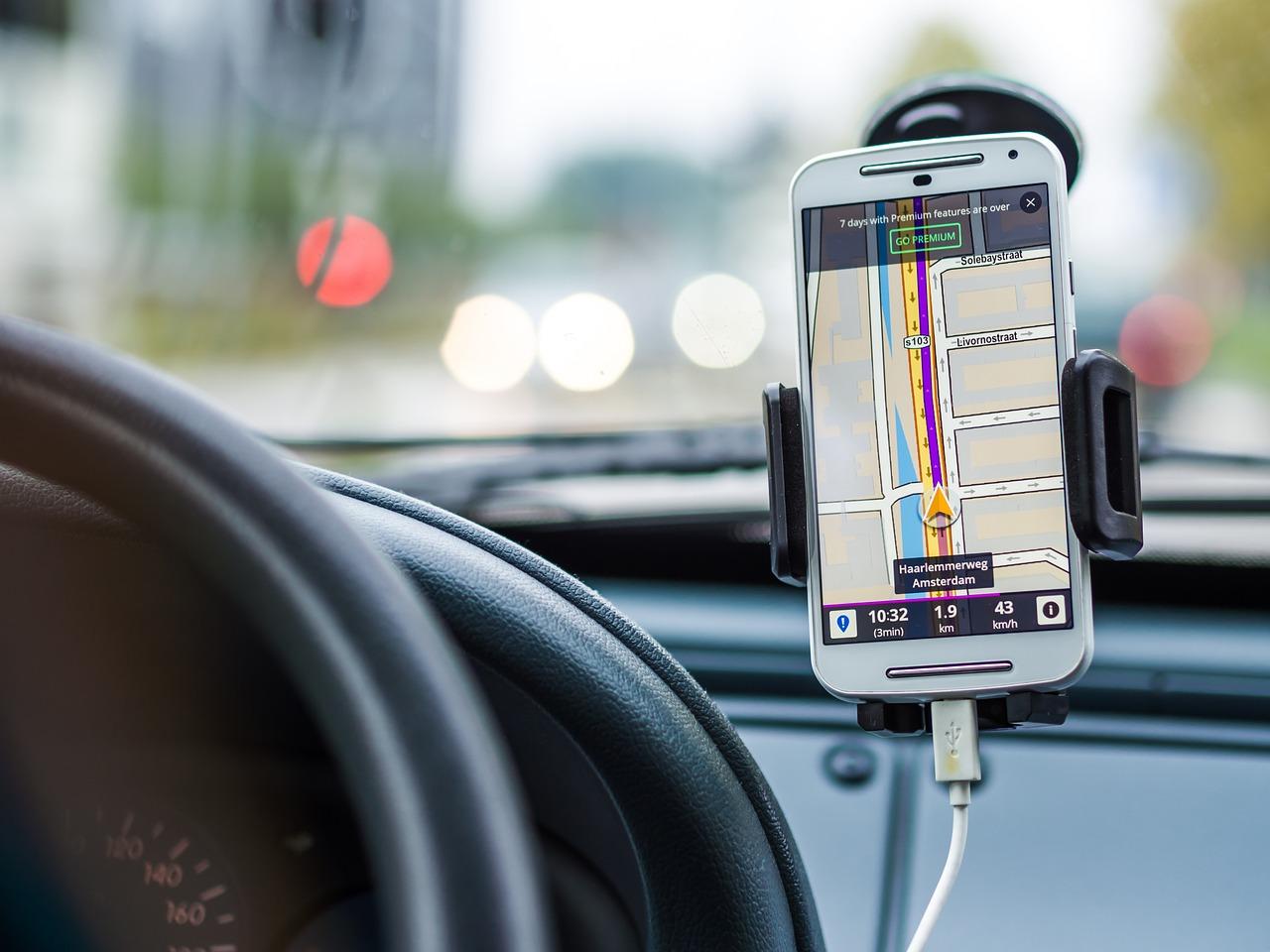 Zakup uchwytu na telefon do samochodu